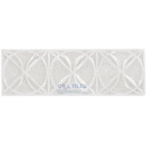 "Clear View - Bergammo - 6"" x 2"" Crackle Glass Bella Pomezia Border Tile in Fontus"
